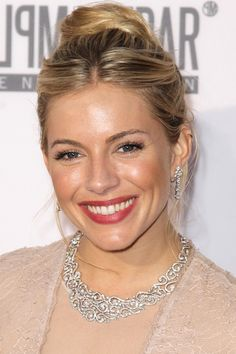 How to :Easy fresh face a la Sienna Miller .