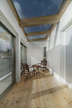 2階寝室前のサンルーム Dream House Plans, Home Reno, Conservatory, Future House, House Design, Windows, Sunrooms, Interior Design, Architecture