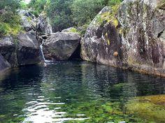 Piscinas naturales do Río Pedras, Pobra do Caramiñal, Galicia.