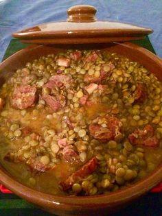 Guiso de lentejas. Como el de mi abuela Mexican Food Recipes, Real Food Recipes, Soup Recipes, Cooking Recipes, Yummy Food, Ethnic Recipes, Argentine Recipes, Chilean Recipes, Guiso Recipe