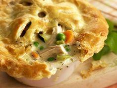 Hähnchen-Pie mit Gemüse ist ein Rezept mit frischen Zutaten aus der Kategorie Hähnchen. Probieren Sie dieses und weitere Rezepte von EAT SMARTER!