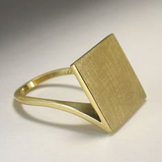 Corner Ring 18K Yellow Gold