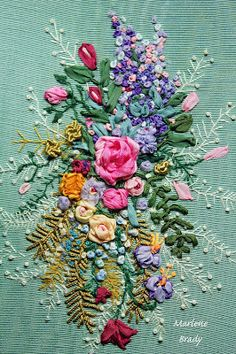 Wonderful Ribbon Embroidery Flowers by Hand Ideas. Enchanting Ribbon Embroidery Flowers by Hand Ideas. Simple Embroidery, Silk Ribbon Embroidery, Embroidery Stitches, Embroidery Patterns, Hand Embroidery, Machine Embroidery, Brazilian Embroidery, Ribbon Art, Embroidery Techniques