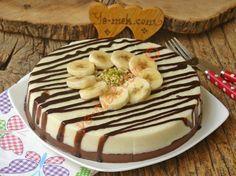 Pasta kıvamında harika sunumlu özel bir tatlı... İrmikli tatlıları sevenler, bu tarife bayılır...