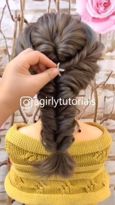 indian hairstyles Videos - Top 10 Hairstyles For Girls 2020 Part 6 Hairstyle For Girls Video, Easy Hairstyles For Long Hair, Elegant Hairstyles, Down Hairstyles, Braids For Long Hair, Girl Hairstyles, Braided Hairstyles, Short Hairstyle Tutorial, Hairstyles Videos