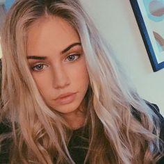 Models on Instagram : Photo
