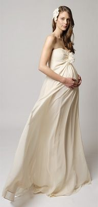 53a5e0814 38 Best Bridal Gowns For The Pregnant images