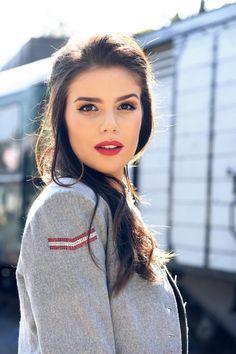 Frauen Jacken, Blazer & Mäntel - Trachten Jacken Mirabell Plummer Blazer, Hoop Earrings, Classic, Fashion, Short Jackets, Woman, Derby, Moda, Fashion Styles