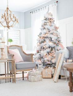 Árbol de Navidad en blanco, rosa y dorado - Ideas para decorar tu árbol de Navidad