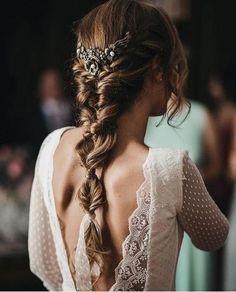 Wavy Wedding Hair, Classic Wedding Hair, Wedding Hair And Makeup, Wedding Beauty, Prom Hair, Wedding Hairstyle, Hairstyle Braid, Wedding Nails, Dress Wedding