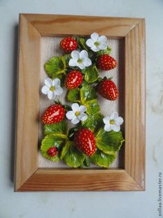 Clay Art Projects, Clay Crafts, Diy And Crafts, Strawberry Crafts, Crochet Wall Art, Plaster Crafts, Clay Wall Art, Christmas Clay, Quilling Patterns