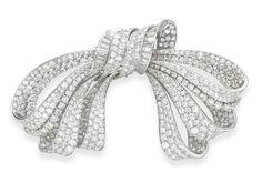 AN ELEGANT RETRO DIAMOND BOW BROOCH, BY VAN CLEEF & ARPELS - Christie's