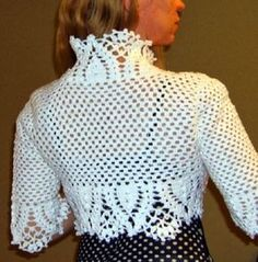 Bolero elegante em croche Poncho Au Crochet, Crochet Coat, Crochet Shirt, Crochet Clothes, Crochet Lace, Knit Patterns, Clothing Patterns, Amarillis, Crochet Wedding