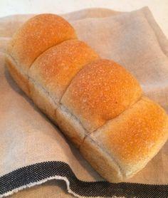 Wholemeal bread 全粒粉のミニ食パン