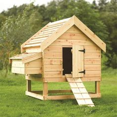 Building A Chicken Coop - - Building a chicken coop does not have to be tricky nor does it have to set you back a ton of scratch. Fabriquer un poulailler: plans, étapes et conseils Chicken Coop Large, Chicken Barn, Chicken Coup, Backyard Chicken Coops, Chicken Coop Plans, Building A Chicken Coop, Diy Chicken Coop, Chickens Backyard, Chicken Coop Designs