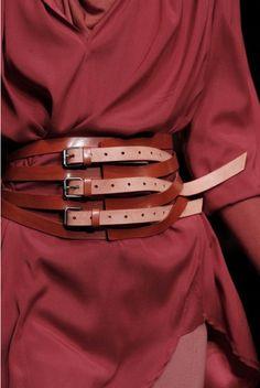 accessoires de mode : ceinture, Marsala 181438, couleur de l'année 2015 pour Pantone, rose sombre