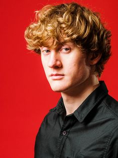 James William Acaster born 9 January 1985 is an English comedian originally from Kettering Northamptonshire and now based in London James acaster new ze The Comedian, Handsome Actors, Handsome Boys, English Comedians, Uk Comedians, Comedy Actors, Uk Tv, British Comedy, Celebs