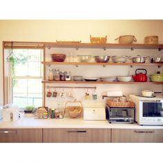 Kitchen,食器,かご,マグ,見せる収納,ボウル,野田琺瑯アムケトル,ディスプレイ難しい,連続投稿すみません,キッチン背面棚のインテリア実例 | RoomClip (ルームクリップ)