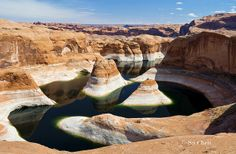 One of my favorite places: The Reflection Canyon, Lake Powell, Utah/Arizona, USA. Lake Powell is a reservoir on the Colorado River, straddling the border between Utah and Arizona. It is a major vacation spot that around 2 million people visit every year Lake Powell, Wallpaper Paisajes, Places To Travel, Places To See, Places Around The World, Around The Worlds, Voyage Usa, Canyon Lake, Grand Canyon
