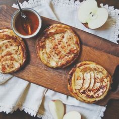 Apple tarts with goat cheese and honey