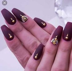 92 Most Lovely Dark Color Nails Design For Fall Prom And Party - Page 14 of 91 - Trendy Elves Gel French Manicure, Glitter Manicure, Pink Manicure, Bling Nails, Gold Nails, Dark Color Nails, Nail Colors, Coffin Nails Ombre, Fail Nails
