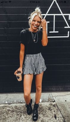 Casual Summer Outfits To Update You Wardrobe This Winter Outfits,lässige sommer-outfits, um ihre gar Petite Outfits, Mode Outfits, Outfits For Teens, Casual Outfits, Fashion Outfits, Fashion Trends, School Outfits, Fashion Styles, Style Fashion