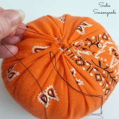How to create a DIY country fabric pumpkin with an upcycled bandana for Halloween and autumn / fall by Sadie Seasongoods / www.sadieseasongoods.com