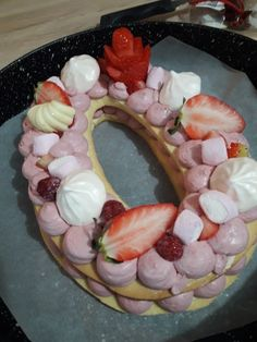 Number cake framboise / chocolat blanc Alphabet Cake, Luxury Cake, Cookie Cakes, Biscuit Cake, Cupcakes, Number Cakes, Cake & Co, New Cake, Pretty Cakes