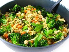 Chicken and Veggies Stir Fry, Low Calorie and Super Yummy! One huge serving has 264 calories, 6 grams fat & 7 Weight Watchers POINTS PLUS. http://www.skinnykitchen.com/recipes/chicken-and-veggies-stir-fry-low-calorie-and-super-yummy/