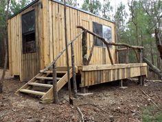 Outdoor Pallet Cabin | 99 Pallets