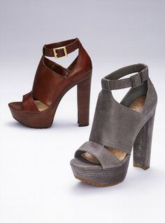 Who knew Jessica Simpson designed great shoes!