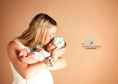 If you are looking for baby photo shoot Los Angeles, then you are at right place. Tiana Creation is know for his Newborn Photo Shoot Los Angeles. Professional best wedding photography photographers is also available here.