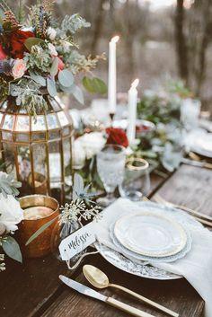 Woodland winter table decor   Peyton Rainey Photography