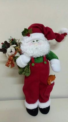 Snowman Christmas Decorations, Christmas Tree Garland, Christmas Snowman, Christmas Stockings, Christmas Crafts, Holiday Decor, Xmas, Christmas Sewing, Christmas Inspiration