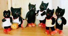 A wonderful selection of Kersa cats from Germany (1950s - 1960s).