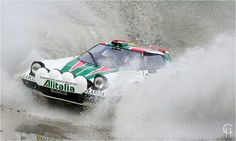 Rallylegend Sandro Munari im Alitalia Lancia Stratos Gruppe 4 beim Eifel Rallye Festival 2015 in Daun Rally Rallyesport Wasserdurchfahrt watersplash Christo Retro Cars, Vintage Cars, Rallye Wrc, Automobile, Classic Sports Cars, Automotive Art, Love Car, Rally Car, Fotografia