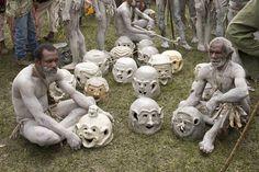 The Fierce Costumes of the Asaro Mudmen (Papua New Guinea) | My ...