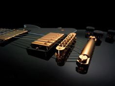 http://www.wallsave.com/wallpapers/1280x960/electric-guitar/69444/electric-guitar-product-photography-and-69444.jpg
