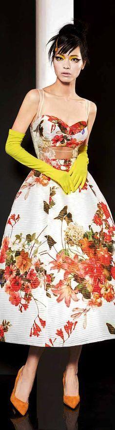 Yolan Cris Couture Spring 2016