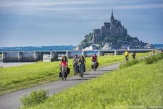 The most beautiful cycle routes in France Minnesota Camping, Camping In Maine, Rando Velo, Rio, Camping Cornwall, Destinations, Mont Saint Michel, Bicycle Race, Camping Guide
