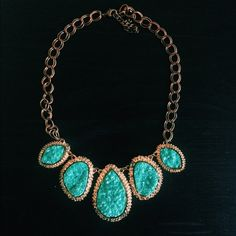 "Emerald/Teal Druzy Necklace Teal-colored druzy statement necklace. This is not real crystal instead a synthetic material which mimics the same effect. Beautiful necklace though the chain has some tarnishing which gives it an ""antiqued"" look. Crystals measure approximately 4"" wide. NO TRADES Francesca's Collections Jewelry Necklaces"