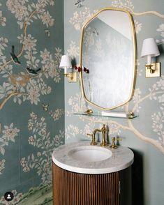 Gracie Wallpaper, Funky Wallpaper, Powder Room Wallpaper, Bathroom Wallpaper, Wallpaper Ideas, Green Bathroom Decor, Modern Bathroom Decor, Small Bathroom, Bathroom Ideas