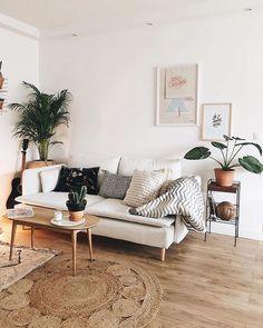 #Comfortable #living room Chic Minimalist Decor Ideas