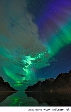 http://imfunny.net/wp-content/uploads/2012/10/Nature-Northern-Lights-Norway.jpg