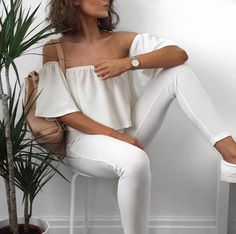 Image about fashion in moda! Street Style Outfits, Fashion Outfits, 90s Fashion, White Fashion, Style Fashion, Fashion Moda, Womens Fashion, Summer Outfits, Cute Outfits