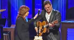 Country Music Lyrics - Quotes - Songs Vince gill - Vince Gill Breaks Down In Tears During George Jones Tribute, Singing 'Go Rest High On That Mountain' - Youtube Music Videos https://countryrebel.com/blogs/videos/18989271-vince-gill-breaks-down-in-tears-during-george-jones-tribute-singing-go-rest-high-on-that-mountain