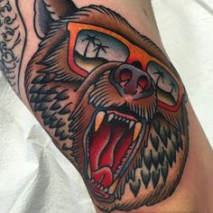 80 California Bear Tattoo Designs For Men - Grizzly Ink Ideas - Tattoo MAG Tattoos Masculinas, Black Tattoos, Hand Tattoos, Tattoos For Guys, Cool Tattoos, Brother Tattoos, Music Tattoos, Tattoo Drawings, Traditional Bear Tattoo