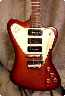 #Gibson #Firebird Non Reverse #1966 - Good condition! Everything is original exept for the pickguard that was replaced one time ago.