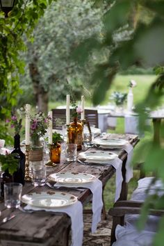 Country chic ♡ beautiful garden set up, tablescape, idea for outside event, outdoor style