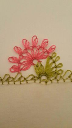 This Pin was discovered by Cih Crochet Unique, Hairpin Lace, Needle Lace, Lace Making, Exotic Flowers, Crochet Flowers, Smocking, Hand Embroidery, Tatting